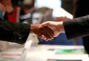 olopae-handshake-090105_0